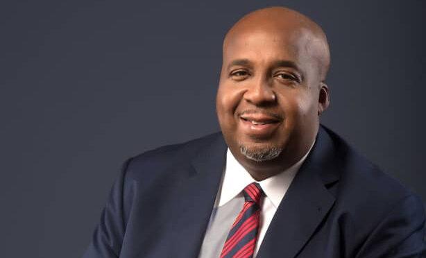 S.E.M. AIME-GUYLAIN MOLENDO SAKOMBI, MINISTRE DES AFFAIRES FONCIERES